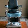 Ancien fauteuil de barbier