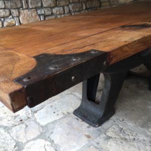 Table monumentale